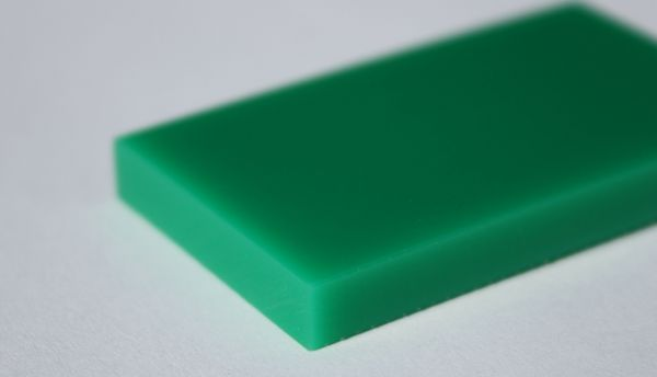Reststücke aus PE1000 grün rein 15 x 40 x 995 mm
